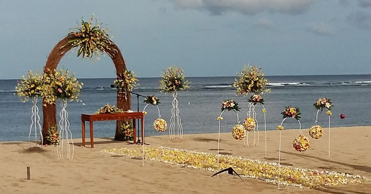 beach wedding nusa dua