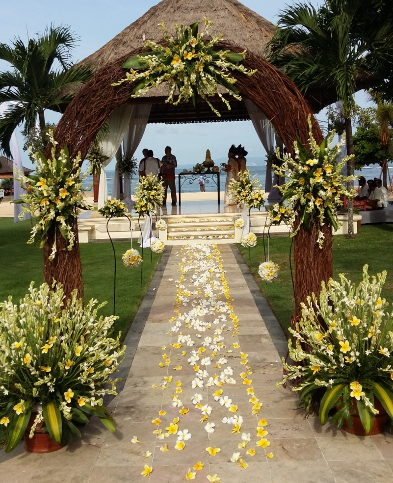Bali vintage florist bali wedding vendor bali shuka for Bali wedding decoration ideas