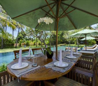 Villa Surya Damai Alfresco Dining