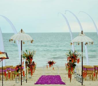 belmond jimbaran beach wedding