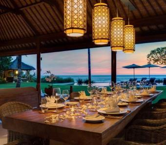 Villa Jagaditha dining at sunset