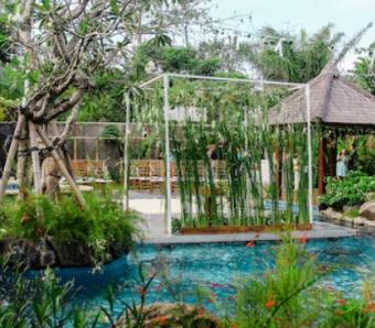 The Leaf Jimbaran main pool wedding venue