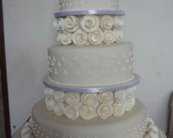 3 tier wedding cake design 3