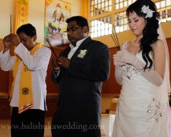 Buddhist wedding on Prayer