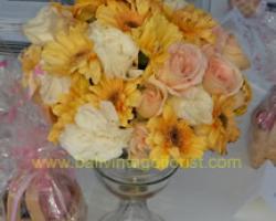 detail small flower vas for long table