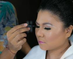 hairs do and makeup ariqa by eka