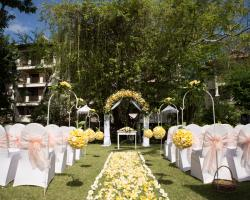 yellow theme wedding decoration